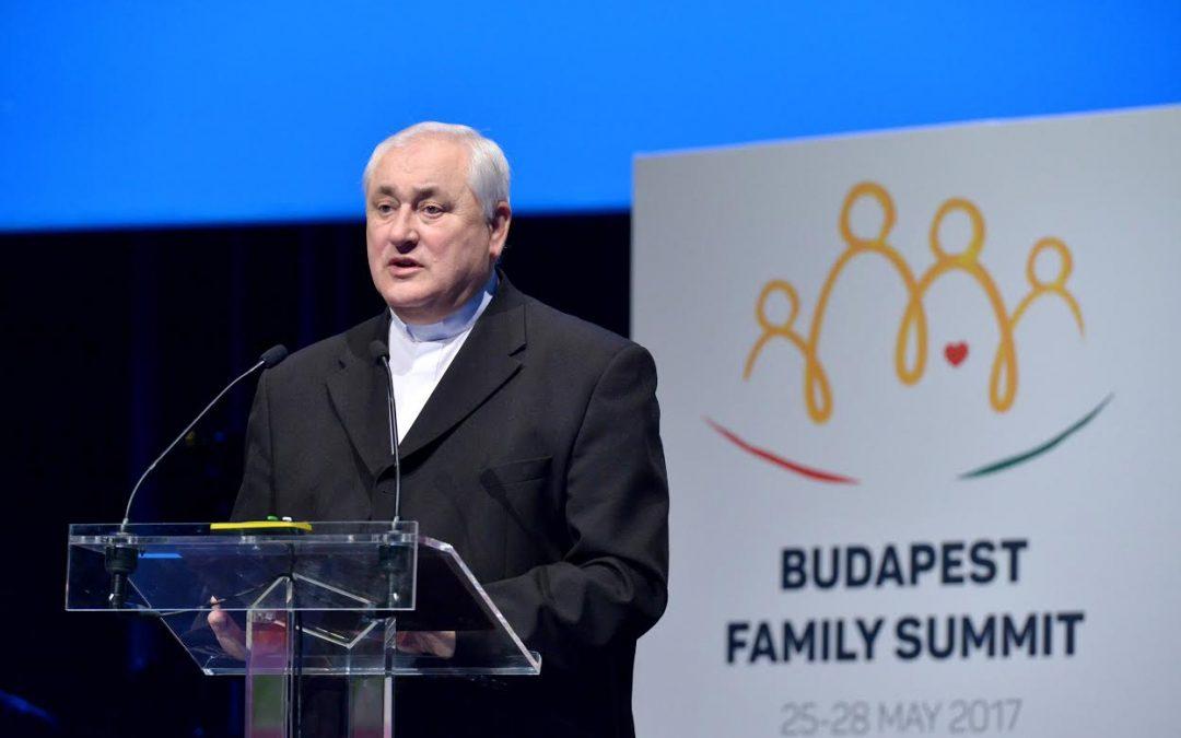 A szeretet az élet értelme és tartalma – egyházi vezetők köszöntötték a családok világkongresszusát
