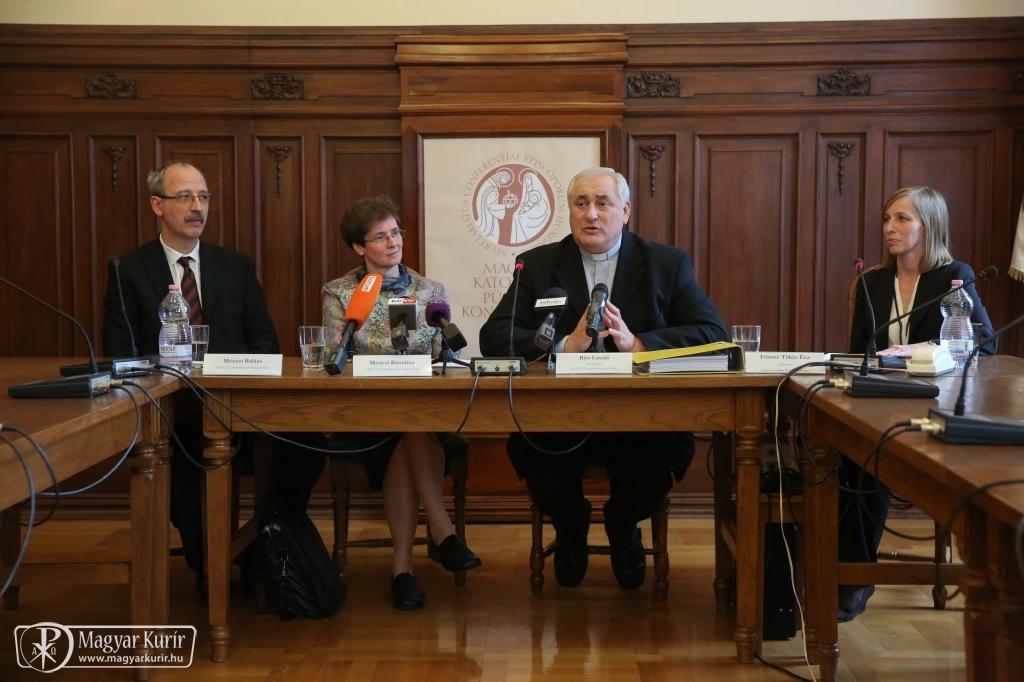 Budapesten is bemutatták Ferenc pápa családi szeretetről szóló apostoli buzdítását