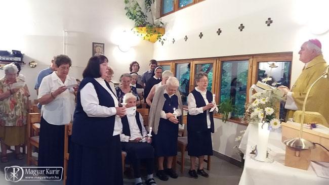 Bíró László vezetésével újították meg fogadalmukat az egyházközségi nővérek Piliscsabán