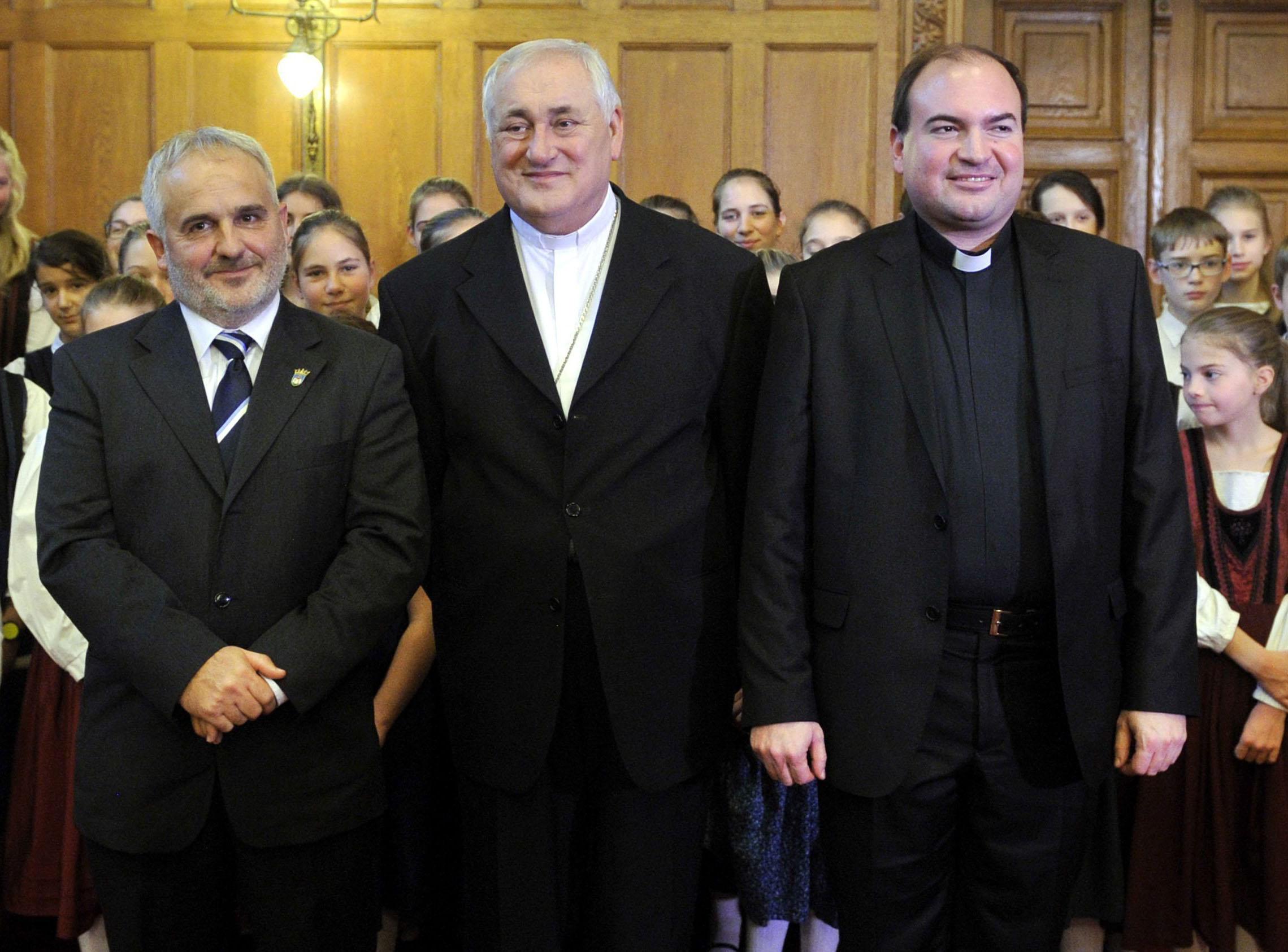 Az Országházban vett át rangos kitüntetést Bíró László – galériával frissítve