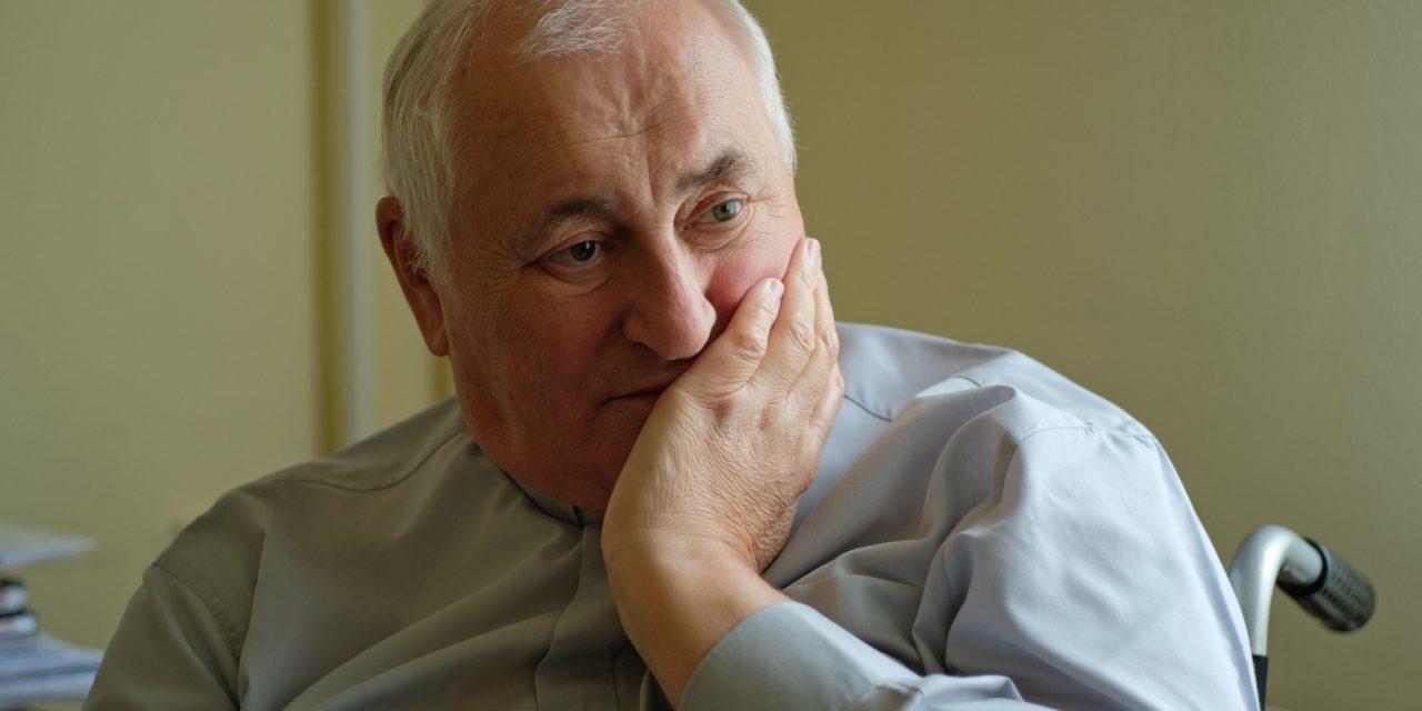"""""""Nem rövidültem meg fölszenteltségemben"""" – Beszélgetés Bíró László püspökkel hivatásról, betegségről"""