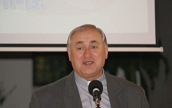 HÍVOM A CSALÁDOKAT  2020. októberében – Elköszön Bíró László püspök